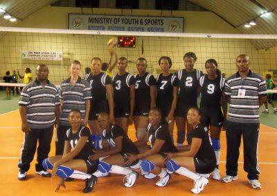 Ilka Treber mit ihrer Mannschaft bei den African Volleyball Clubs Championships auf Mauritius